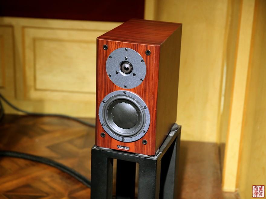 在我们的小试音室内,大部分的音乐的低频垫底都没有明显的不足之感